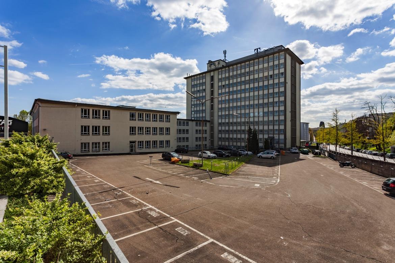 REALLEASE_Parkplatz_Büroflächen_Frankfurt_Tower_Ostend
